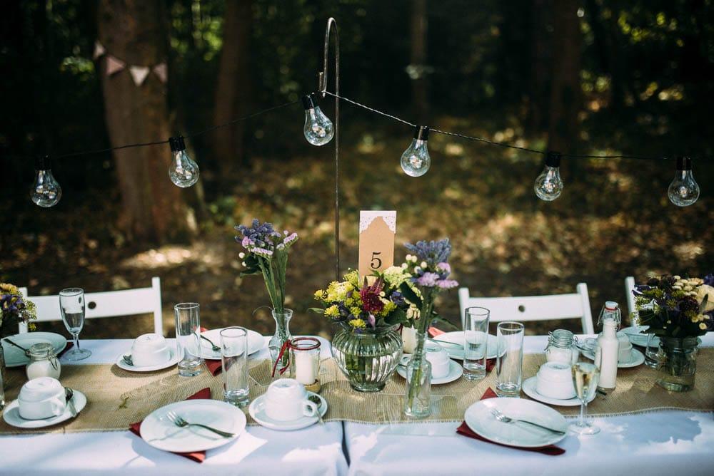 Dekoration Hochzeit im Freien