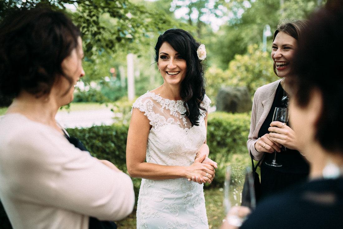 Braut Hochzeit mit Freundinnen