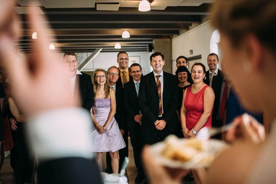 Hochzeitstorte anschneiden Reaktionen