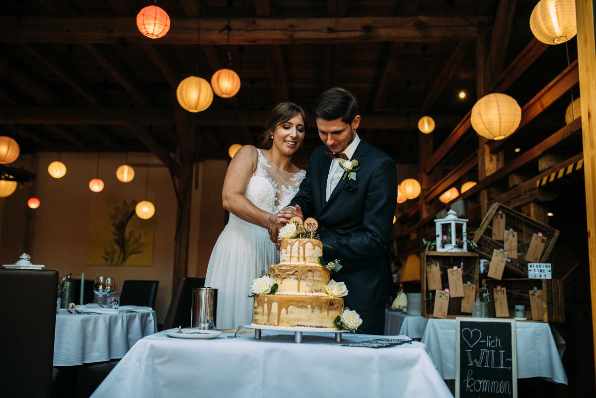 Hochzeit Scheune vintage Hochzeitstorte Scheunenhochzeit Nürnberg